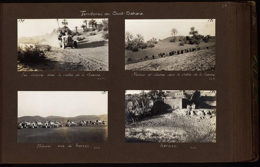 Les voitures dans la vallée de la Saoura