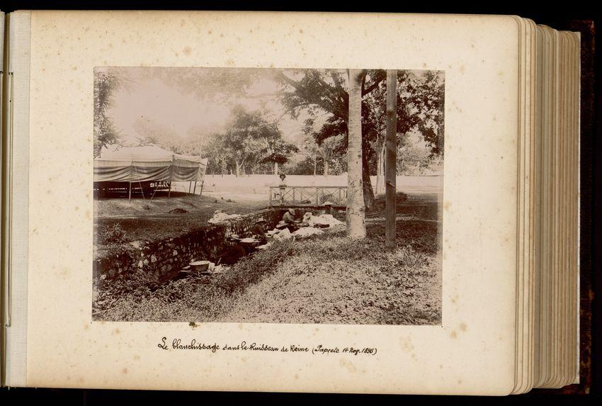 Le blanchissage dans le ruisseau de Reine