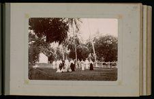 Tennis chez le gouverneur et madame Gallet à l'hôtel de Mamao
