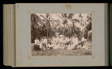 Groupe de Tahitiens (avec tambours)