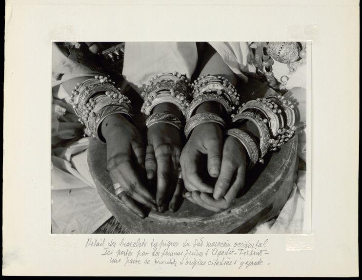 Détail des bracelets typiques du sud-marocain occidental
