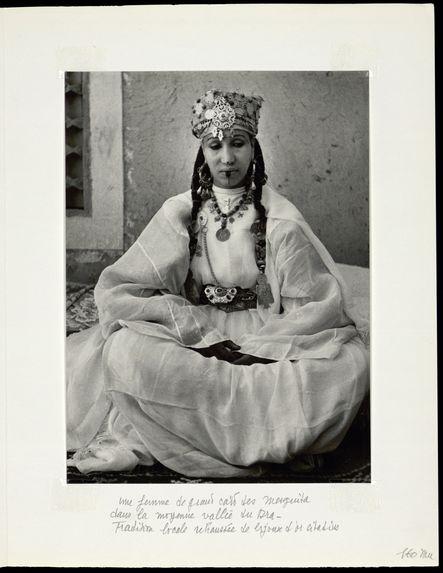 Une femme de grand caïd des mesguida dans la moyenne vallée du Dra