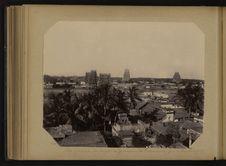 """Vue Générale des temples et """"gopurams"""" de Tiruvanamalay près de..."""