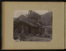 Route du Mont Abou, employé télégraphiste et sa maison