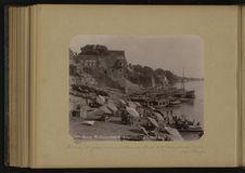 Bénarès, le ghat, escaliers de Dasaswa Medh et l'Observatoire de Rajah Jey-Singh