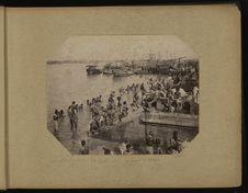Calcutta, scènes de bain près du pont de Howia