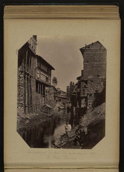 Les maisons de bois des marchands sur le Mar Canal
