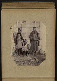 Groupe de Bhati (Tibétains) porteurs de caravanes