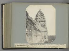 50 Détails d'ornementation d'une tour d'angle et de la galerie du troisième...