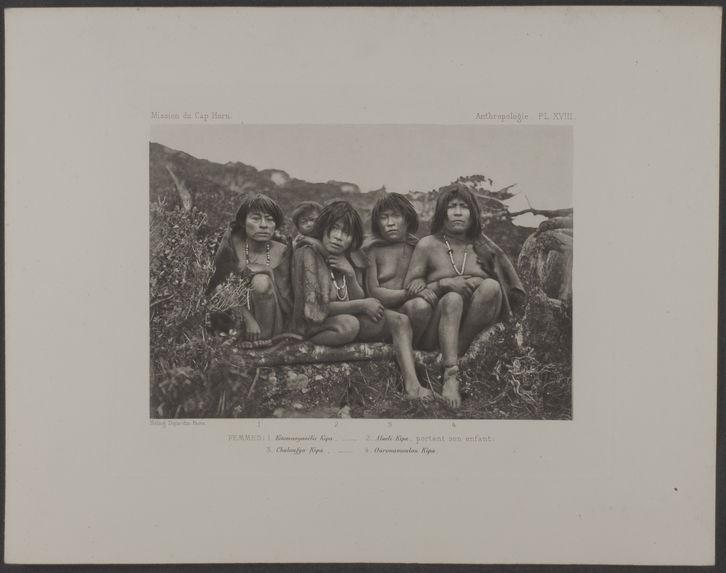 PL. XVIII. Femmes : 1. Kitamaoyaoélis Kipa, 2. Alaéli Kipa, portant son enfant ; 3. Chaloufya Kipa, 4. Ourouamoulou Kipa