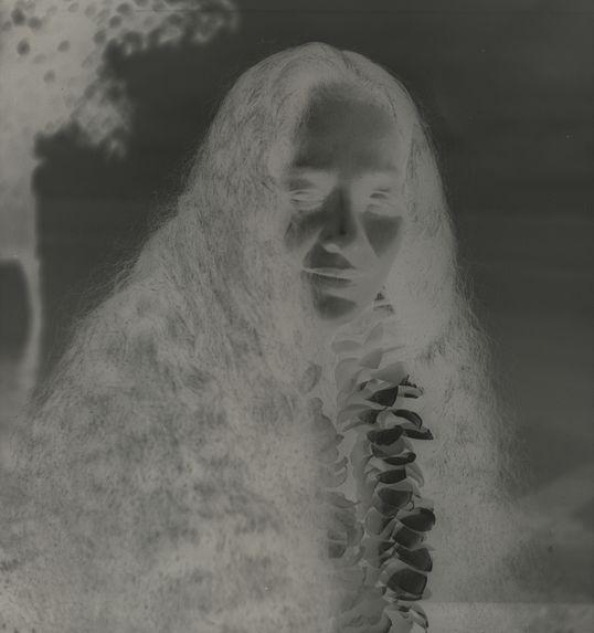 Sans titre [portrait d'une jeune femme]