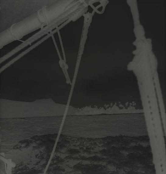 Sans titre [la mer vue depuis un bateau]