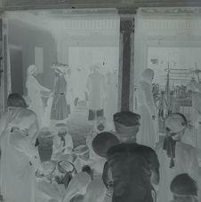 Pélerinage annuel de Phu-Giai : entrée du temple, fidèles et marchands