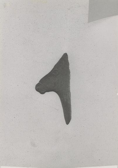 Contour découpé: tête de cheval; magdalénien
