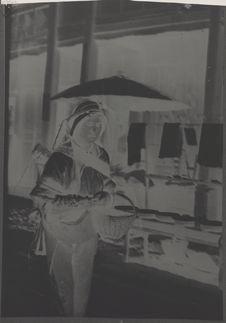 Paysanne vendant des arbouses