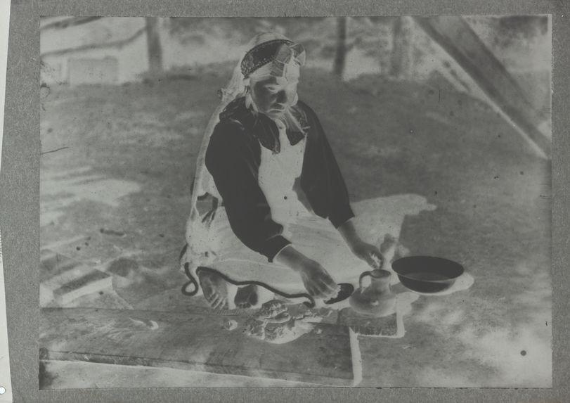 Potière (mété méfé) au travail
