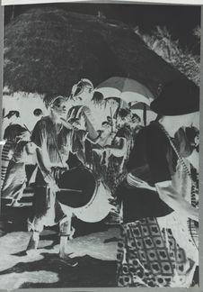 Tambourinaires de la danse de la déesse de la maternité