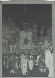 Venise : procession devant San Marco