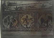 Bas-relief en bois polychrome