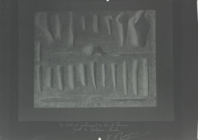 Os cassés et instruments en bois de renne