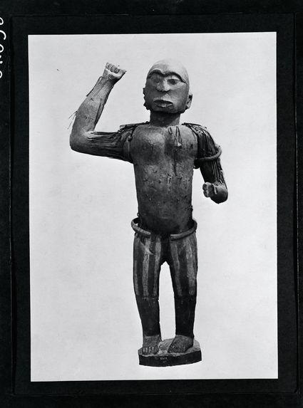 Statue en bois : roi Ghezo
