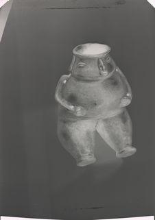 Personnage assis (stylisation de la figure)
