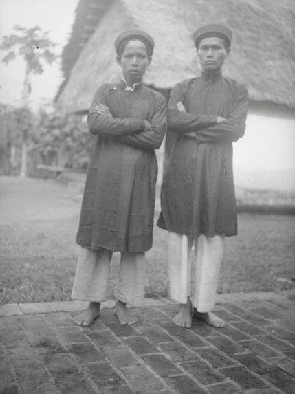 Homme Muong et Thai Rouge