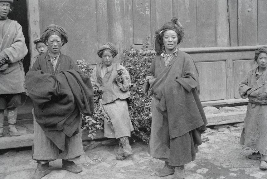 Femmes tibétaines de la région d'Atuntze