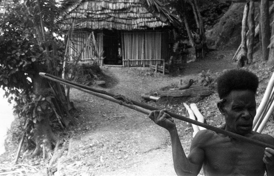 Bande film de 6 vues sur le Sépik. Mission 1954-1955. L.S.