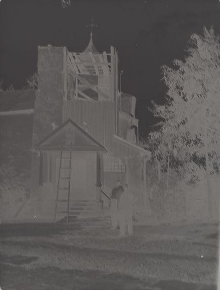 Sans titre [Restauration de l'église Saint-Nicolas le Thaumaturge du monastère de Pskov Petchory]