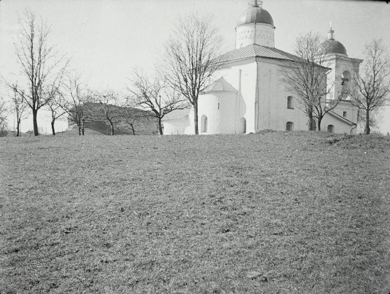 Sans titre [La cathédrale Saint-Nicolas à Izborsk]