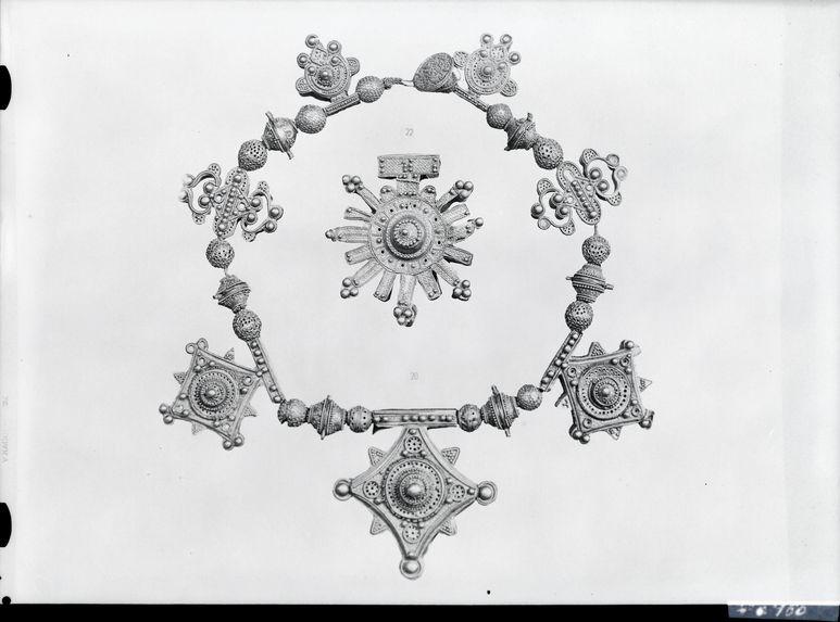 Sans titre [Musée de la France d'Outre-Mer : bijoux de Mauritanie et du Niger]