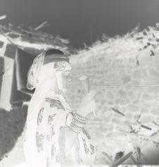 Ramsa prépare le fil de trame pour le burnous