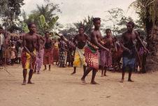 Sans titre [femmes dansant]