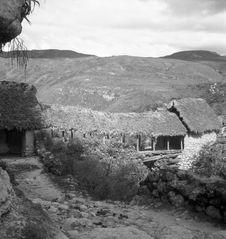 Bande film de 3 vues concernant un pont couvert et des poteries