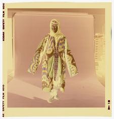 Costume féminin composé d'une chemise tunique