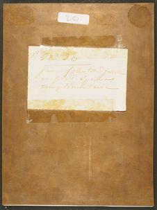 Photographie du verso du daguerréotype n°PM000082 : Femme Medjeurtine tressant...