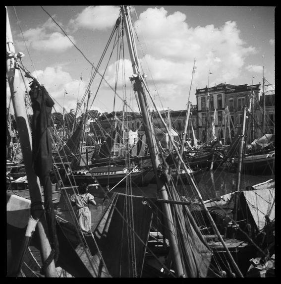 Sans titre [bateaux au port de Belém]