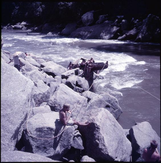 Sans titre [pirogue sur le fleuve Mahakam]