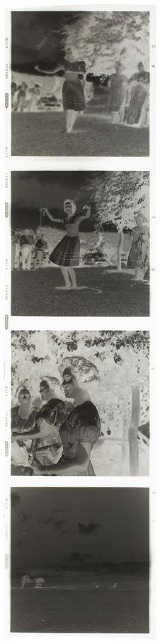 Bande film de quatre vues concernant des portraits de jeunes femmes et un...