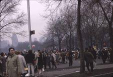 Grande manif[estation] du 15 avril contre [la guerre] du Vietnam