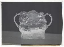 Vase à anses avec pêcheurs, céramique de Gauguin