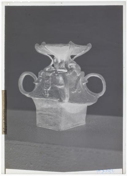 Vase avec bretons, céramique de Gauguin