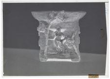 Vase sculpté avec baigneurs et soleil couchant, céramique de Gauguin