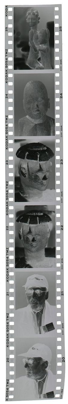 """Sans titre [portrait de Jacques Kerchache et vue de l'exposition """"L'art..."""