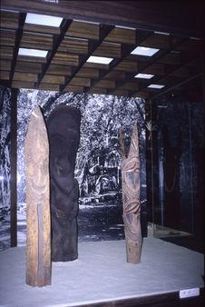 Vue de la salle Océanie du Museum für Völkerkunde de Berlin : Vitrine Vanatu