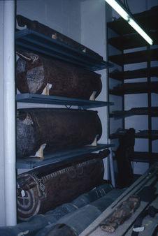Masques Baining, etc, dans les réserves du Musée de Chicago