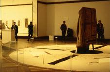 Dessin sur sable de Joe Ben Junior et installation  J. Pollock couverture Navajo...