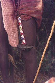 Sans titre [maasaï portant un grelot à la cuisse]