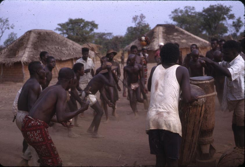 """Sans titre [danse des initiés lors du """"labi""""]"""